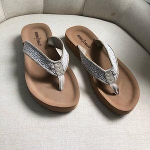 {Minnetonka} Hedy Sandals